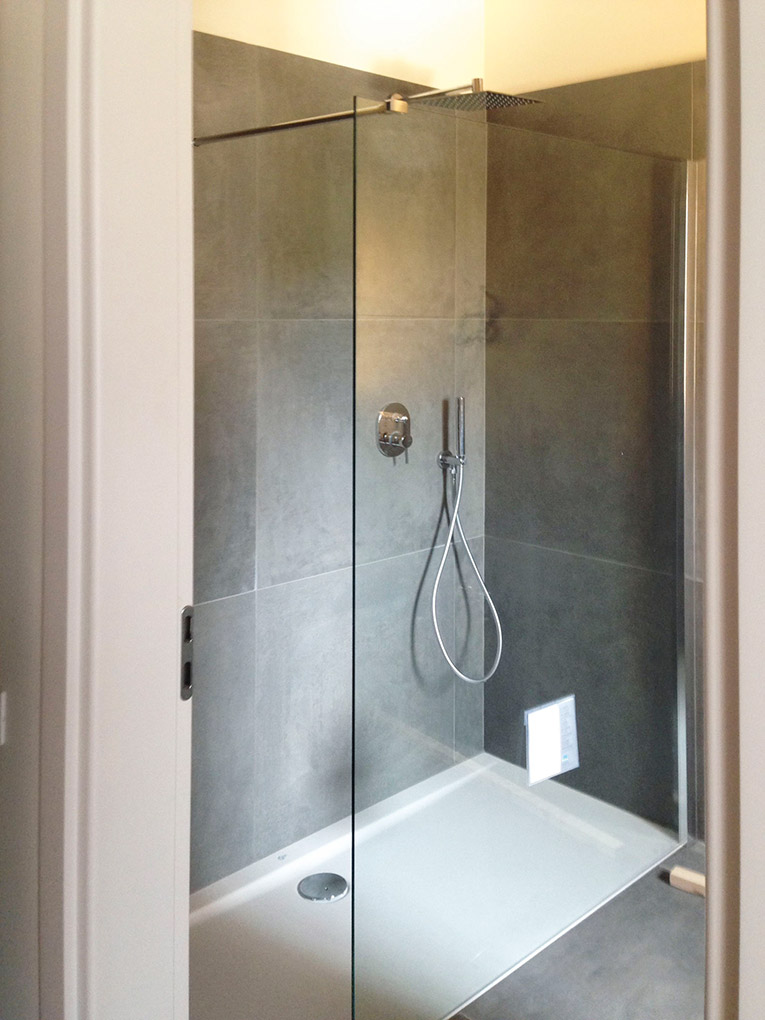 rivestimento bagno con gres porcellanato