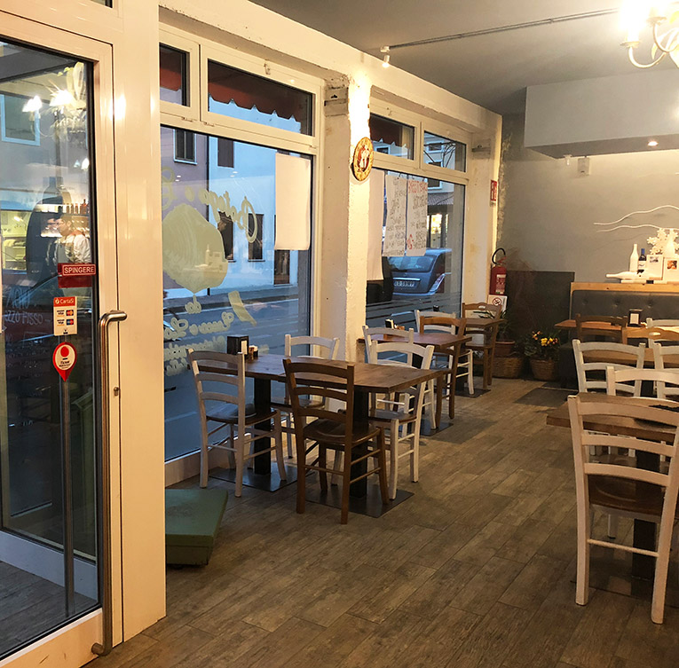 Locali pubblici: ristrutturazione bar